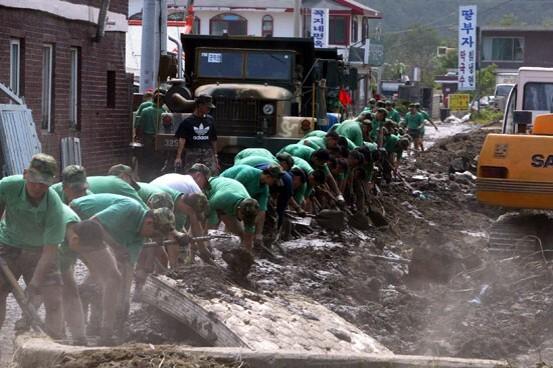 2002 강릉 태풍 루사 피해 및 복구 현장 (04/73)