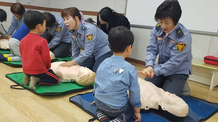 골든타임 4분을 잡아라! 심폐소생술 안전교육