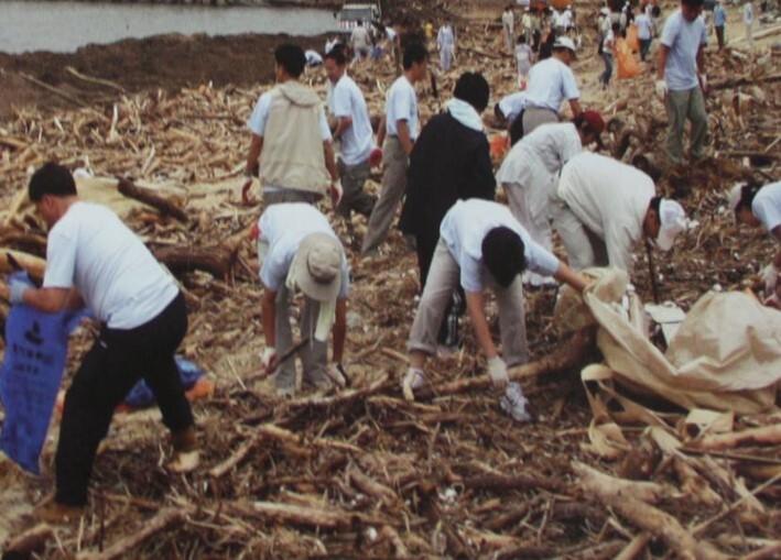 2002 강릉 태풍 루사 피해 및 복구 현장 (58/73)