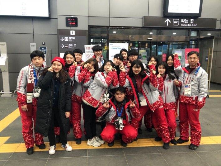 2018평창동계올림픽 및 패럴림픽 자원봉사자 기증 사진 - 진부역 자원봉사자