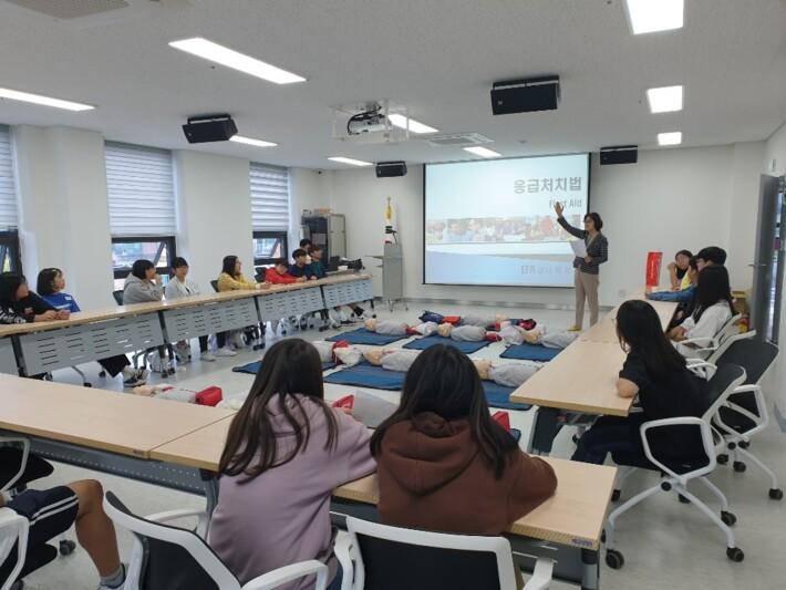 청소년 심폐소생술 교육 및 활동
