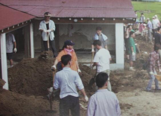2002 강릉 태풍 루사 피해 및 복구 현장 (61/73)